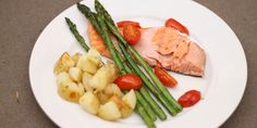 Salmon and Asparagus with Crispy Potatoes