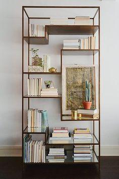 Trouvailles Pinterest: La bibliothèque | Les idées de ma maison Photo: ©HomePolish #Pinterest #trouvailles #bibliothèque #livres #deco #magazine #bibelot #rangement