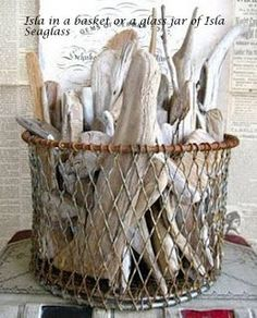 the guest can place their driftwood finds in this basket of memories!