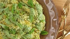 """Spaghetti Squash with Pesto alla Genovese: A classic pesto gets paired with veggie """"noodles"""" for a yummy gluten-free twist on pasta night. Vegetable Recipes, Vegetarian Recipes, Healthy Recipes, Veggie Food, Best Spinach Dip, Healthy Cooking, Healthy Eating, Healthy Food, Pesto Spaghetti Squash"""