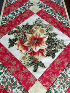Tablerunner patchwork de Noël. Traditionnel vert par StephsQuilts