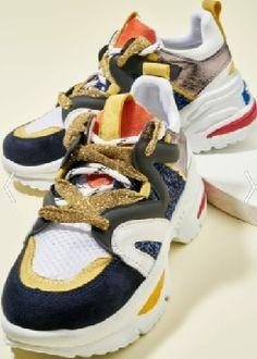 Bambi simli ipli altın sarı bağcıklı lacivert pullu topuklu sneaker ayakkabı modeli | Kadınca Fikir - Kadınca Fikir Jordans Sneakers, Air Jordans, Balenciaga, Shoes, Fashion, Moda, Zapatos, Shoes Outlet, La Mode