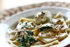 Ravioli ze szpinakiem | Spinach ravioli http://www.codogara.pl/10056/ravioli/