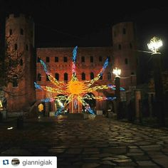 #Repost giannigiak #into Porte Palatine by night