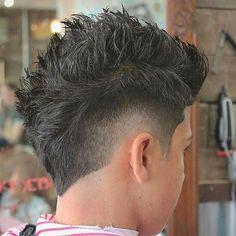 Top 35 Popular Men's Haircuts + Hairstyles For Men Guide) - Top 35 Popular Men's Haircuts + Hairstyles For Men Guide) Burst Fade Fohawk Mohawk Hairstyles Men, Cool Hairstyles For Men, Popular Mens Haircuts, Haircuts For Men, Men's Haircuts, Popular Hairstyles, Blur Hair, Short Hair With Beard, Fade Haircut