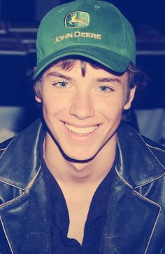Jeremy Sumpter... Please tell me everyone remembers him from Peter Pan <3 he's still adorable! Lovin him in his John Deere hat