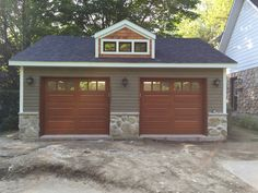 Porte de garage double en Acajou Sapele Garage Double, Shed, Outdoor Structures, Wood Creations, Puertas, Lean To Shed, Backyard Sheds, Coops, Barn