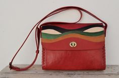 Etsy の Genuine Goat Leather Messenger bag by SaharartDouz
