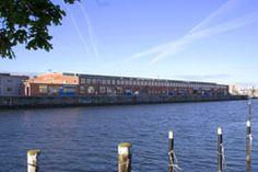 Gegenüber der FH Kiel befindet sich der Seefischmarkt.