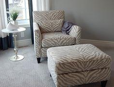 Cómo eliminar las manchas de tinte de pelo del sillón http://www.lagarto.es/consejo/como-eliminar-las-manchas-de-tinte-de-pelo-del-sillon/