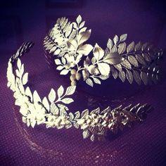 silver wreath things - good for bridal Nueva colección #aniburech