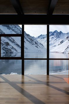Wow! Can you imaging having such a view from your place? chalet| mountains | lake house| winter house