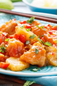 Chicken pan sweet and sour - Asian quick & tasty - easy to cook Sweet Chili Chicken, Chicken Kitchen, Chicken Breast Fillet, Asian Recipes, Ethnic Recipes, Lunch Meal Prep, Easy Cooking, Lunch Recipes, Food Print