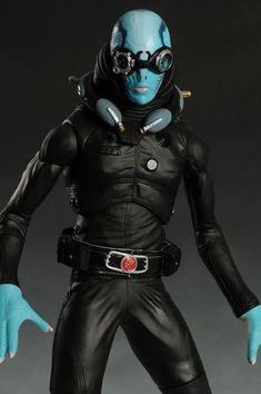 Hellboy Abe Sapien scale action figure by Mezco Abe Sapien, Image Review, Dieselpunk, Cyberpunk, Dc Comics, Action Figures, Batman, Comic Books, Superhero