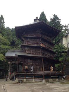 [N] 「さざえ堂」一度通ったところは二度通らずに上り下りする不思議建築(会津若松)