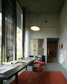 """Gefällt 510 Mal, 12 Kommentare - MONC XIII (@moncxiii) auf Instagram: """"Monday #workspacegoals. Love this room. Color, scale and cool concrete. #peterzumthor"""""""