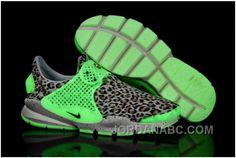 e9b11701b http   www.jordanabc.com nike-sock-dart-se-women-shoes-footlocker ...