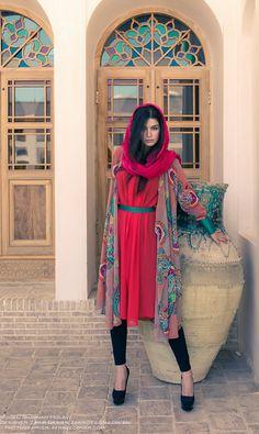 Persian girls in iran Modest Fashion, Hijab Fashion, Girl Fashion, Iranian Women Fashion, Asian Fashion, Ethnic Fashion, Persian Beauties, Persian Girls, Persian People