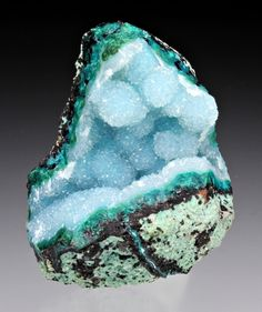 Quartz with Chrysocolla: my personal favorite of all the stone as it invokes goddess energy, wards off negative energy, and promotes meditation and communication by aligning one with the divine. #perspicacityparty #magicgeodes #chrysocolla