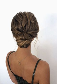 80 wedding hairstyle for medium long hair - Hairstyles Trends Bridal Hair Updo, Wedding Hair And Makeup, Hair Makeup, Wedding Updo With Braid, Winter Wedding Hair, Classic Wedding Hair, Twist Hairstyles, Bride Hairstyles, Classic Updo Hairstyles