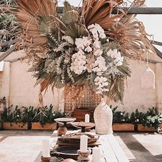 Wedding leaves - In awe of this magical reception setup and these gorgeous dried palm leaves ✨🌾⠀ ⠀ Photography jamie green ⠀ Styling store eventstories ⠀ Florals st Palm Wedding, Boho Wedding, Floral Wedding, Wedding Flowers, Dream Wedding, Wedding Reception, Deco Floral, Arte Floral, Rever Mariage