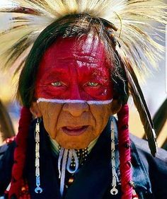 """The Nez Perce (/ˌnɛzˈpɜːrs/; autonym: Niimíipuu, meaning """"the walking people"""" or """"we, the people"""") are an Indigenous peopl. Nez Perce The walking people Native American Pictures, Native American Artwork, Native American Beauty, Native American Tribes, American Indian Art, Native American History, American Indians, American Symbols, Native American Warrior"""