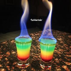 🌈 How Beautiful Are These Flaming Rainbow Shots By Tipsy Bartender? Fancy Drinks, Bar Drinks, Yummy Drinks, Alcoholic Drinks, Beverages, Manly Cocktails, Popular Cocktails, Cool Drinks, Colorful Drinks