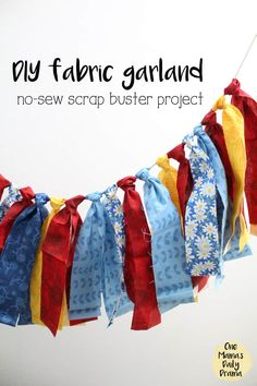 This DIY Fabric garland or banner is an easy craft project that uses up fabric scraps from your stash. You'll want to learn how to make it for dressing up a nursery or bedroom, decorating for a party, or just to swap out your color scheme for Christmas or Scrap Fabric Projects, Fabric Crafts, Sewing Projects, Fabric Garland, Diy Garland, Garland Ideas, Fabric Banners, Diy And Crafts Sewing, Easy Diy Crafts