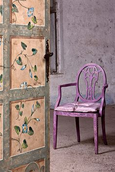 interesting painting on the door and chair.This says: COLORWAYS Inspiration Idea for using Annie Sloan Chalk Paint Custom Color : Purple Paint Furniture, Furniture Projects, Furniture Makeover, Dresser Makeovers, Purple Chair, Pastel Decor, Painted Chairs, Annie Sloan Chalk Paint, Diy Painting