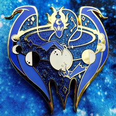 Cosplay, Cool Pins, Pin And Patches, Metal Pins, Dragon Art, Fantasy Jewelry, Red Glitter, Cool Items, Pin Collection