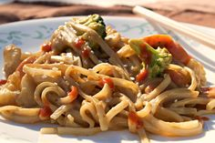 Easy Peanut Noodles is perfect for when you want a quick and yummy stirfry. Asian Rice Noodles and veggies, tossed with a garlicky peanut sauce. Yum