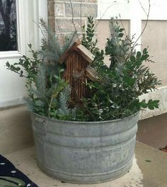 35 amazing winter front porch decor ideas to inspire your holiday decor 2019 – A Nest With A Yard - winter decor Christmas Planters, Outdoor Christmas, Country Christmas, Winter Christmas, Christmas Home, Christmas Crafts, Christmas Ideas, Primitive Christmas, Christmas Music