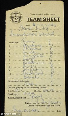 """Sir Alex Ferguson's first Manchester United team-sheet is being auctioned"""