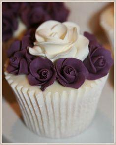 Wedding Show Cupcakes. All vanilla cupcakes, via Flickr.