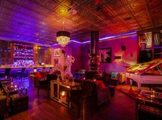 Yearning to get away from the electronic dance music scene on Miami Beach? Intimate South of Fifth spot The Flat hopes to bring a little piece of Parisian nightlife glamour to the beach with a series of live music nights.