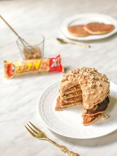 Placuszki a'la Lion peanut butter – Upieczona Enjoy Your Meal, Food Inspiration, Delicious Desserts, Cake Recipes, Peanut Butter, Sweet Tooth, Pancakes, Food Porn, Food And Drink
