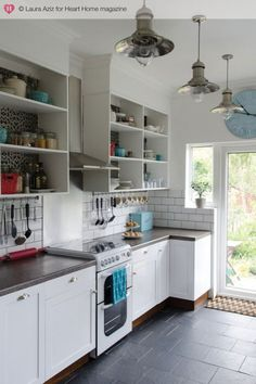 another way for open shelves in the kitchen