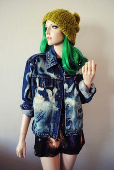 Levis Acid Wash Distressed Destroyed Denim 90s Grunge Studded Collar    http://www.ebay.co.uk/itm/LEVIS-Spike-Studded-Bleach-Denim-Oversized-Grunge-Jacket-Tie-Dye-Vintage-Acid-/190662759827?pt=UK_Women_s_Vintage_Clothing=item2c6462d593#ht_1898wt_1257