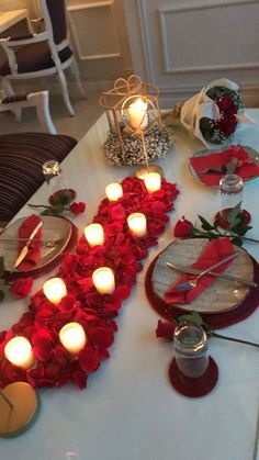 Hosting a Valentine's Day Party? Then these Valentine's Day Table Decor Ideas shall help you put up a romantic & sweet Valentine's Day decorations. 30 Romantic Valentine's Day Table Decor Ideas - 30 Romantic Valentine's Day Table Decor Ideas - Hike n Dip Valentine's Home Decoration, Romantic Room Decoration, Decoration Restaurant, Romantic Bedroom Decor, Room Decorations, Romantic Dinner Tables, Romantic Dinner Setting, Romantic Dinners, Romantic Night