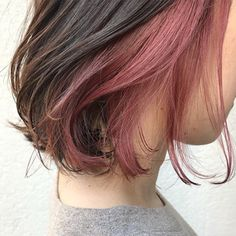 Akiko Tominaga's Snap … Hidden Hair Color, Two Color Hair, Underdye Hair, Dye My Hair, Pink Hair Streaks, Ombre Hair, Under Hair Dye, Hair Color Underneath, Haircuts For Wavy Hair