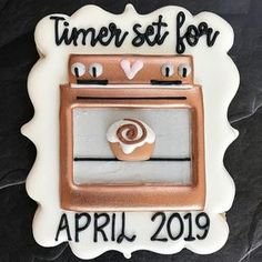 ideas baby announcement cookies children for 2019 Baby Cookies, Baby Shower Cookies, Iced Cookies, Royal Icing Cookies, Sugar Cookies, Baby Announcement Cake, Baby Announcements, Baby Announcement To Parents, Creative Pregnancy Announcement