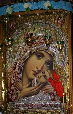 Queen of the Holy Rosary Religious Icons, Religious Art, Church Icon, Queen Of Heaven, Blessed Mother Mary, Mary And Jesus, Byzantine Icons, Holy Mary, Orthodox Icons