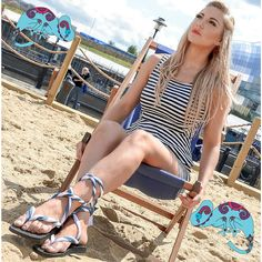 Interchangeable sandals with twisted laces look fab!