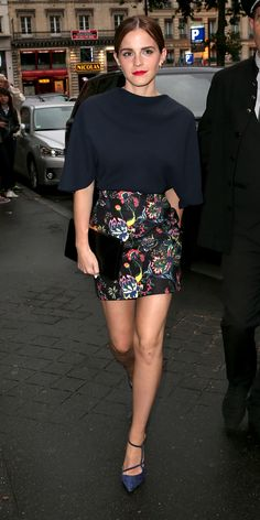 Emma Watson switched out of her couture into something slightly more casual for the Dior private dinner, pairing her floral print Dior mini with a navy Dior top. Anita Ko earrings, a black clutch and blue strappy Roger Vivier pumps rounded out her look. Estilo Fashion, Look Fashion, Paris Fashion, Feminine Fashion, Classy Fashion, Young Fashion, Fashion Tips, Dress Fashion, Street Fashion