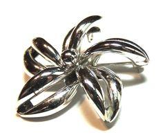 Sterling Silver Brooch. Signed D'OR, Flower Brooch, Vintage Brooch, Vintage Pin, Vintage Jewelry (sn 416)
