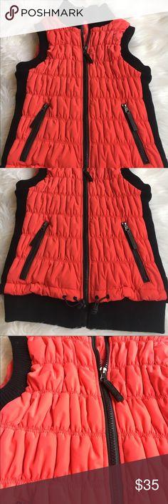 NWOT Calvin Kline Performance vest w MP3 pocket NWOT performance vest with two zipper pockets and MP3 pocket as well! Calvin Klein Jackets & Coats Vests