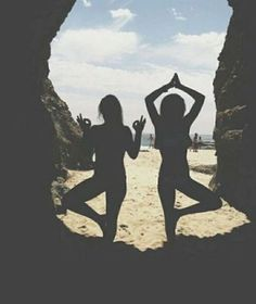 Strike a pose with your bestie this weekend and enjoy the last bits of summer…
