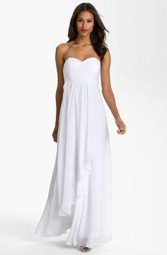 Best Beach Wedding Dresses - Simple yet elegant.