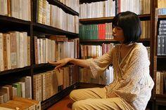 bookgirls: 菊池亜希子 (via 映画『森崎書店の日々』 ……本が好きな人にぜひ見てもらいたい作品…… - 一日の王)