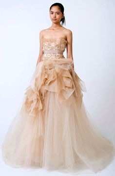 Vera Wang peach dress #wedding #dress by morgan